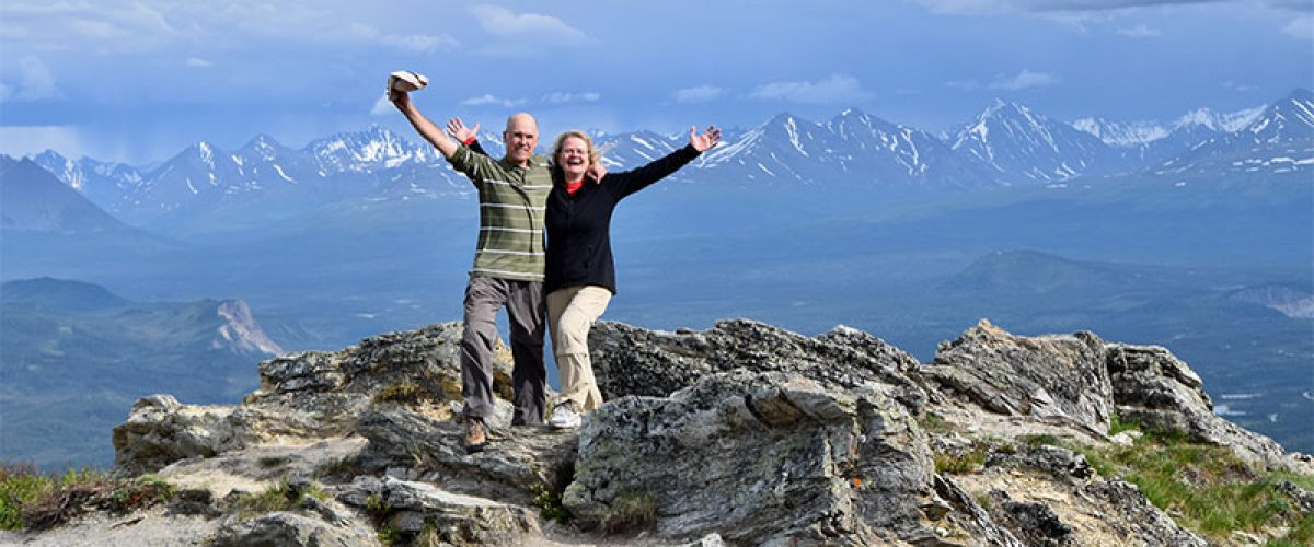 active-seniors-lifestyle-so-happy-they-made-it-to-the-top-of-the-mount-healy-overlook-trail-that-they_feature